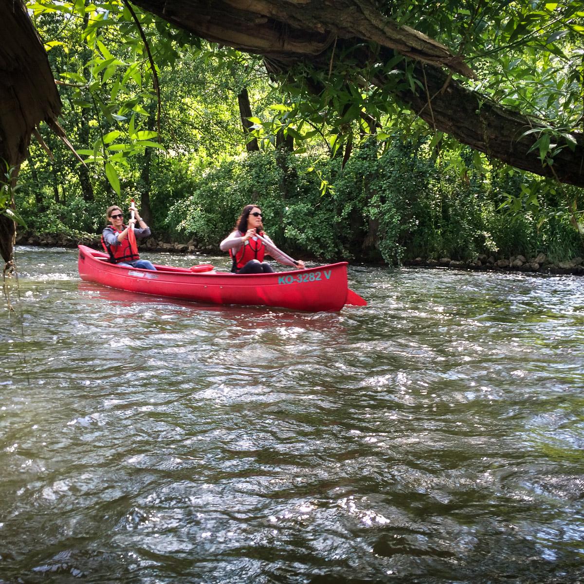 Praxisausflug 2016 mit dem Kanu auf der Lahn — Praxis Zahnarzt Dr. Harald Martin Betzdorf